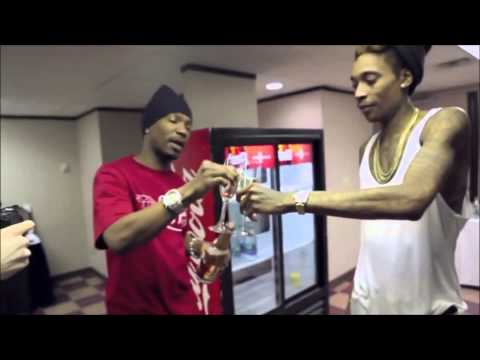 Wiz Khalifa-Medicated ft. Chevy Wood and Juicy J  ( OFFICIAL VIDEO )