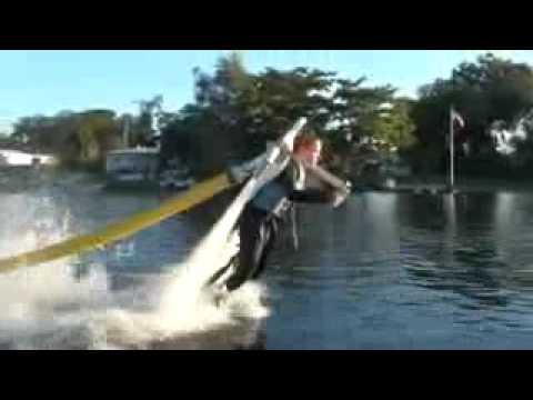 Brinquedinho Radical   Homem Voando Sobre a Água