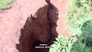 Cratera ameaça casas no Parque Giansante em Bauru