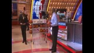 Shaq and Charles Barkley go head to head on an epic 3pnt Shootout