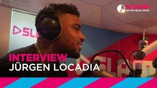 Je kent hem natuurlijk als aanvaller van PSV, maar hij heeft ook een hele andere kant in zich! Jürgen Locadia is naast voetballer...
