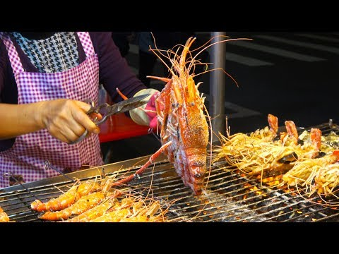 Taiwanese Street Food Liuhe Tourist Night Market