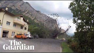 צפו בסופת בוץ פוגעת בכפר קטן בשווייץ