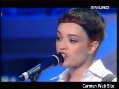 In bianco e nero la consoli si rivede in quella madre - Carmen consoli diversi ...