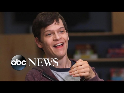 'Speechless' cast on how groundbreaking comedy stays heartfelt