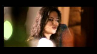 Nonton Randeep Elena S Beautiful Kiss In Johnday Film Subtitle Indonesia Streaming Movie Download