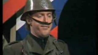 Video André Van Duin als Soldaat op wacht MP3, 3GP, MP4, WEBM, AVI, FLV Mei 2017