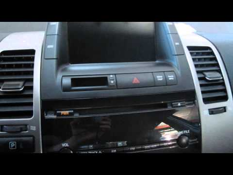 Parting out a 2007 Toyota Prius – Used Auto Parts – 130303