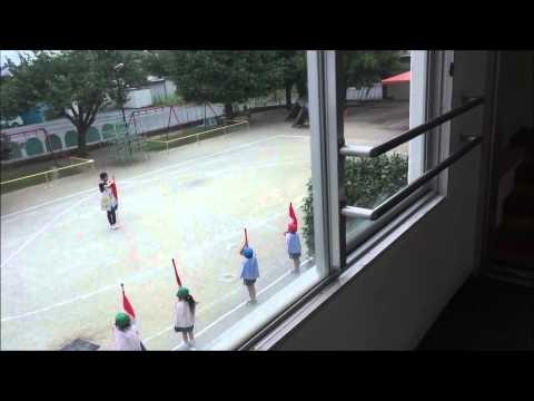 ともべ幼稚園 「鼓笛隊 練習中です」