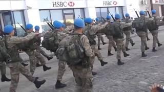 Türk Askerinden Gövde Gösterisi - İzmir'in Dağlarında Çiçekler Açar
