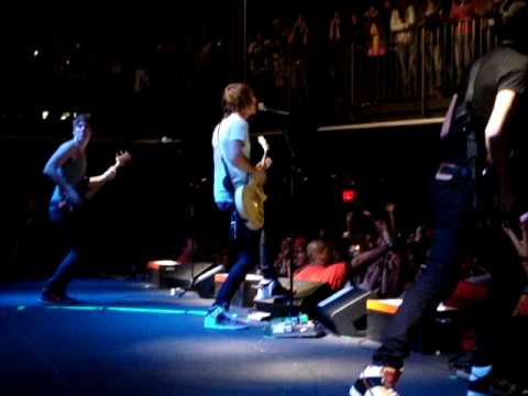 All Time Low - This Is How We Do & The Beach @ Ramshead Live