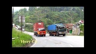 Video Truck ga kuat Nanjak,mundur lg kebawah,Tanjakan Wadon,Bandung Barat MP3, 3GP, MP4, WEBM, AVI, FLV Februari 2018