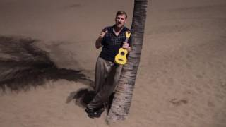 Ian and the guys deliver a message from Gran Canaria about Summertime Swing!Tickets and info from http://www.jiveaces.com/summertime-swing