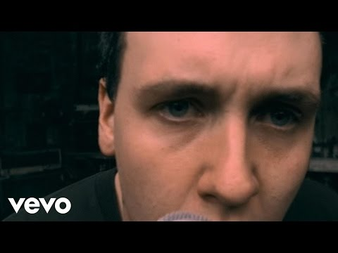 Papa Roach – Between Angels And Insects