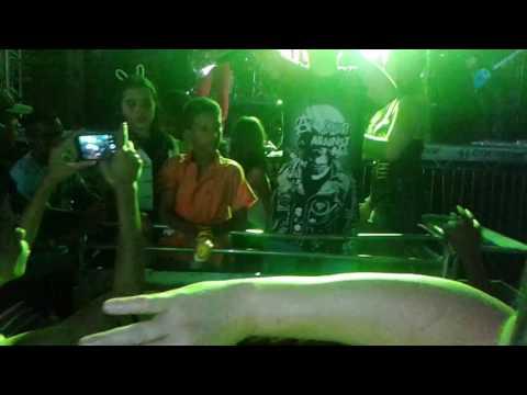 Festa em Tapira ...Eu no Trio Elétrico da banda Bis ....