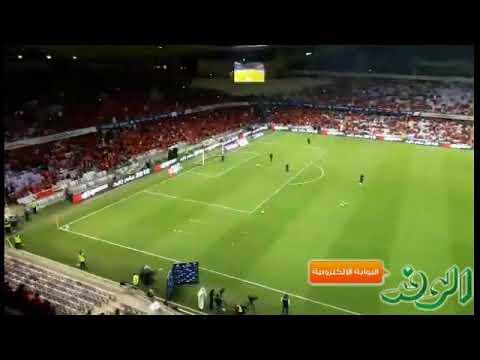 العرب اليوم - شاهد: منافسة بين جمهور الأهلي والمصري