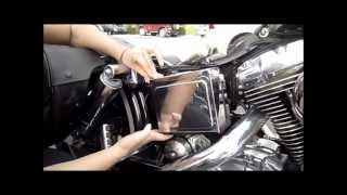 5. How to remove battery cover from a Harley Davidson / how to remove battery Dyna