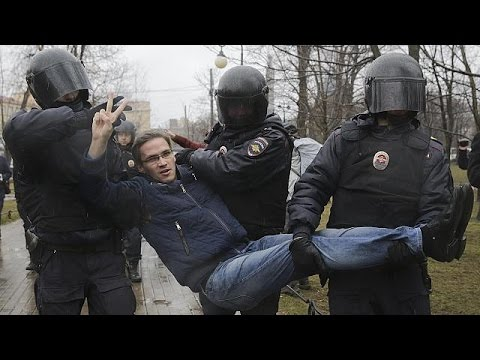 Νέες διαδηλώσεις και συλλήψεις κατά του Πούτιν
