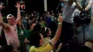 Ninja declamando sua poesia no churrasco dos calouros 2007-2 ! ! !