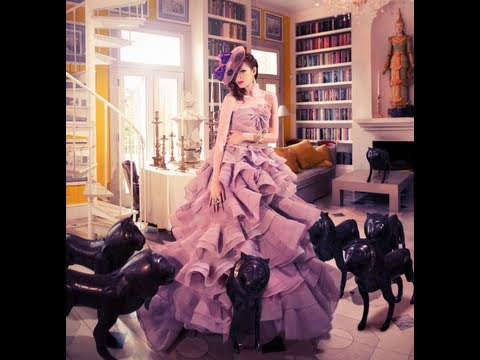 fashion shoot - http://www.framednetwork.com Six photographers gather in a 6 million dollar mansion outside the beautiful Hamptons of New York to take on the challenge of fa...