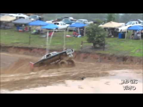 Modified Cadillac makes attempt at dam jump