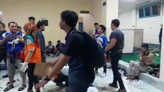 Video Arema FC VS Persib Bandung Berakhir Ricuh, Begini Suasananya MP3, 3GP, MP4, WEBM, AVI, FLV April 2018