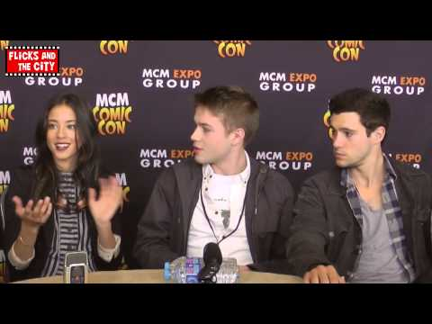 Falling Skies Cast Talk Season 4