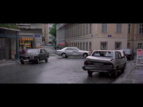The Peacemaker 1997 - Car Chase HD