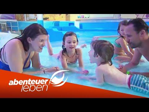 Wasserrutschen, Wellenbad und Wellness: Die Therme  ...