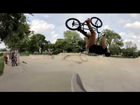 chicago - Today's Instagram Slam features Brian Kachinsky and the Chicago crew. SUBSCRIBE: http://bit.ly/TCUBMXsubscribe We'd been talking about doing an Instagram Slam with the Chicago locals since...
