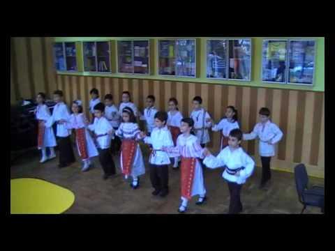 08 aprilie 2011 - dansuri populare - Hora mare - Premiul I - Calatori prin traditii, Constanta 2011