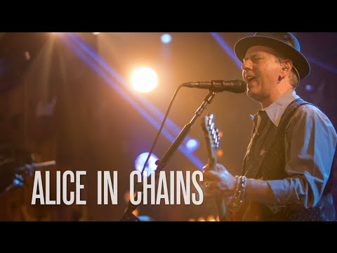 center - An exclusive clip of Alice In Chains performing