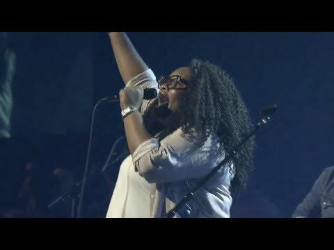 Tasha Cobbs Leonard - Break Every Chain (Live at Bethel)