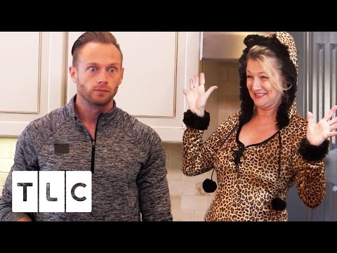 Adam is shocked at Mimi's Halloween Costume | Outdaughtered | S2 Episode 7