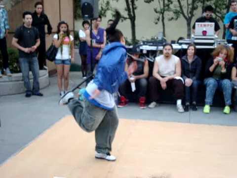 Отрывок с соревнования House Dance  на фестивале World of Dance 2009 в Pomona