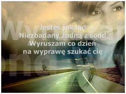 Tekst piosenki Ania Szarmach - Dookoła ciebie po polsku