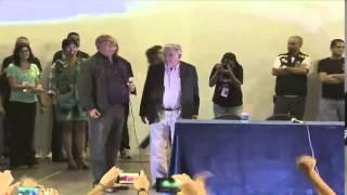Ver episodio: http://tvbrasil.ebc.com.br/reporterrio/episodio/pelo-menos-6-mil-pessoas-lotam-concha-acustica-da-uerj-para-encontro-com-pepe.