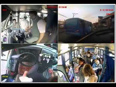 YouTube: conductor de bus cedió su lugar a pasajera con bebés