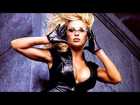 Pamela Anderson... 50 years of beauty!
