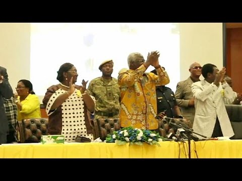 Σιέρα Λεόνε: Πανηγυρισμοί για το τέλος του Έμπολα