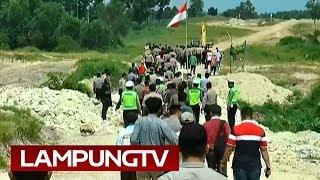 Download Video Warga Tanjung Sari Tolak Eksekusi Lahan untuk Tol MP3 3GP MP4