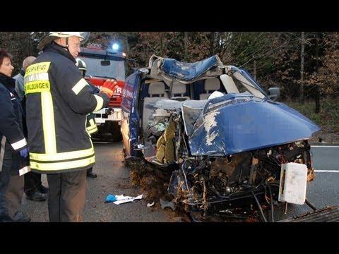 Hundsdorf: Brüder sterben bei schwerem Unfall
