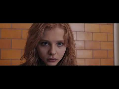 Carrie 2013 Extended Scene: Carrie Goes Home & Remembers The Rain of Hail