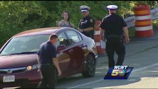 Police search for whoever shot driver near Brent Spence BridgeSubscribe to WLWT on YouTube now for more: http://bit.ly/1ipUX3cGet more Cincinnati news: http://wlwt.comLike us: http://facebook.com/wlwt5Follow us: http://twitter.com/WLWTGoogle+: https://plus.google.com/+wlwt