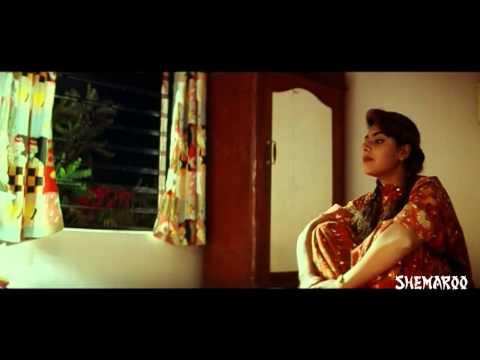 Deyyam Horror Movie Scenes - Maheswari seeing a spirit in the mirror - J D Chakravarthy 07 March 2014 06 PM