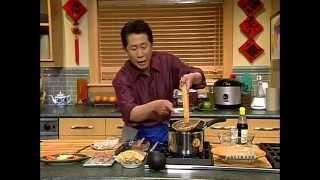 Video Martin Yan's Chinatowns - Oodles of Noodles MP3, 3GP, MP4, WEBM, AVI, FLV November 2018