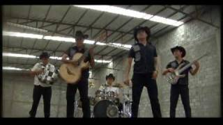 video y letra de Llorando Solo por Zona Centro