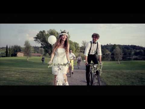 Bike & golf wedding