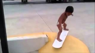 Скейтбордист ещё в памперсе, а выполняет удивительные трюки