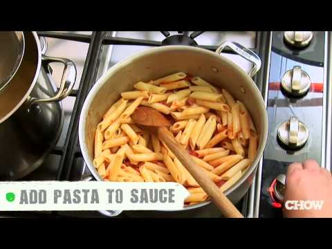 原來我們一直來都煮不出餐廳級義大利麵的原因竟然是「因為把煮麵水倒掉」,改正後再試果然不一樣了!